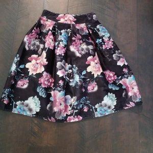 Floral print midi/box skirt